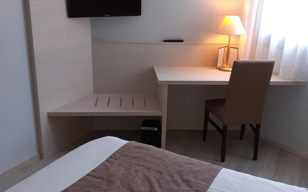 Photo - Hôtel nantua embarcadere chambres 0002 20200522 172621 2