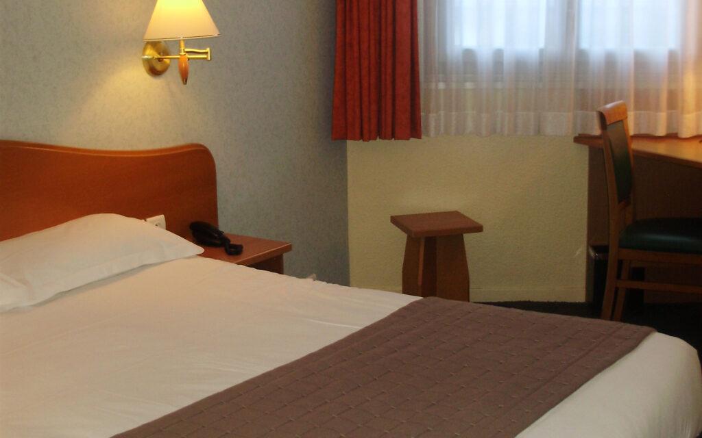 Photo - Hôtel nantua embarcadere chambres 0007 P1010001